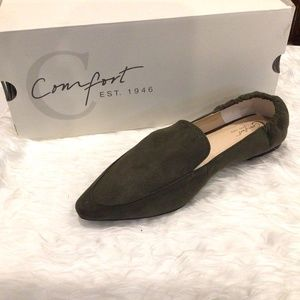 Cato Wide Width Faux Suede Pointy Toe Flats New